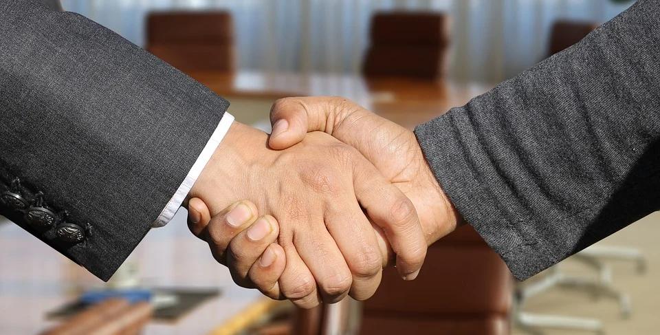 Como ser persuasivo e fechar bons negócios